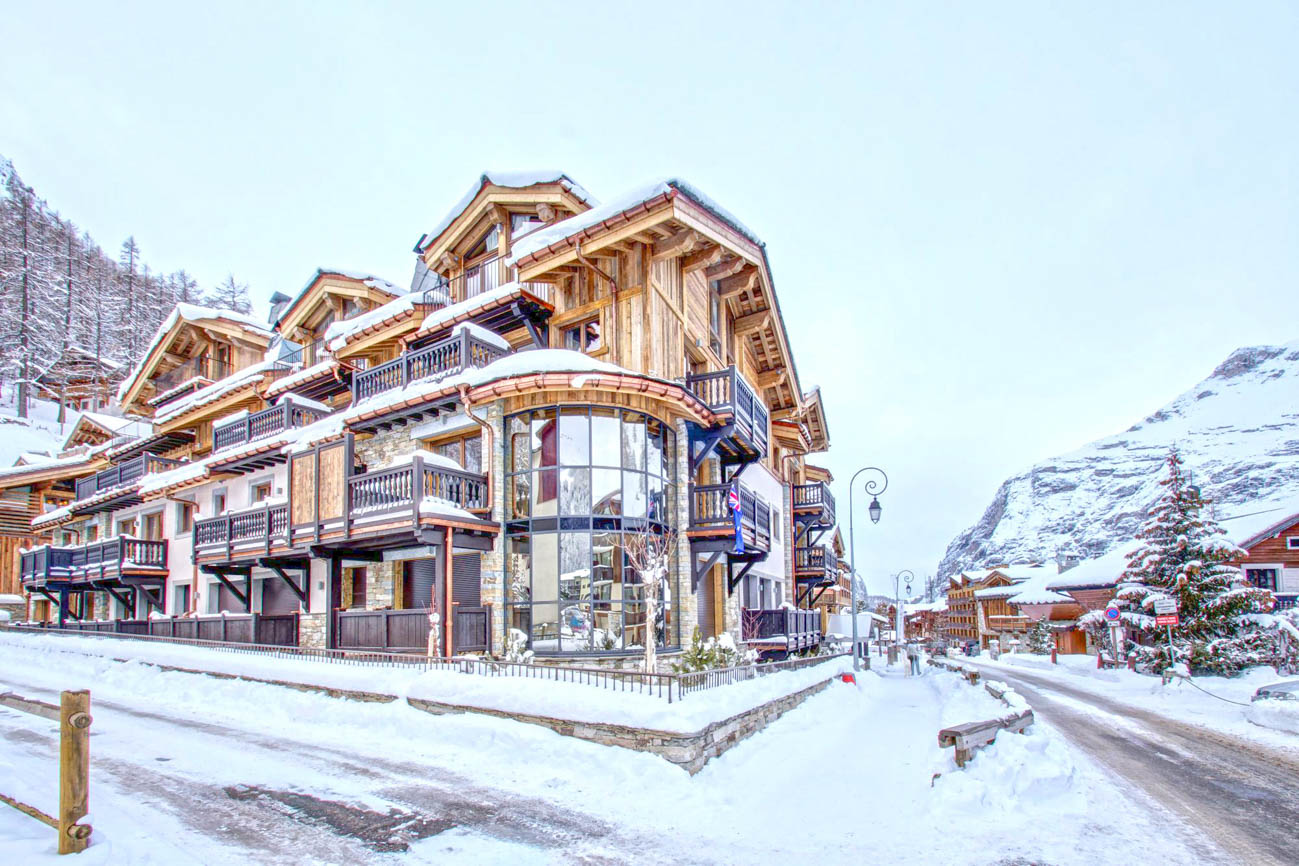 Luxury Ski Chalets in Val d'Isere Casta