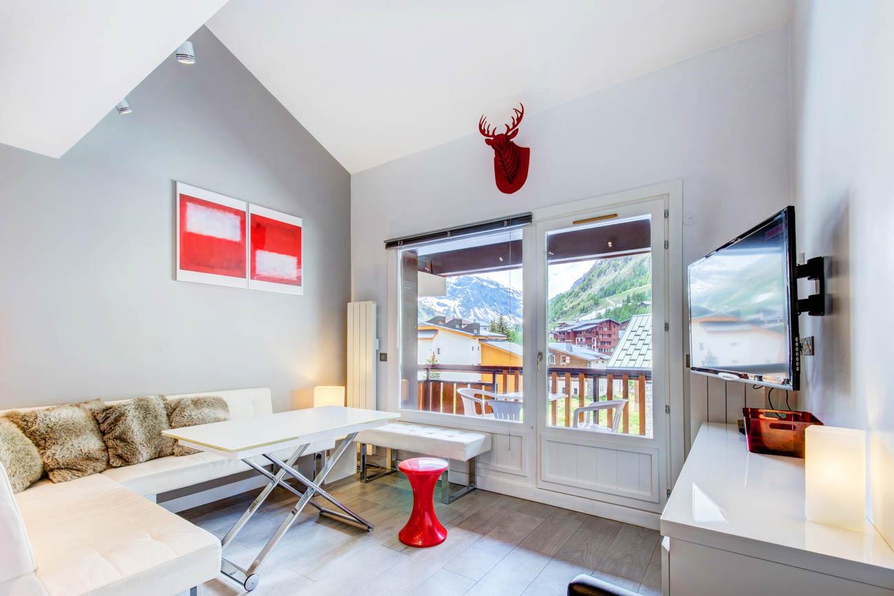 luxury chalet rental in val d'isère Kendal