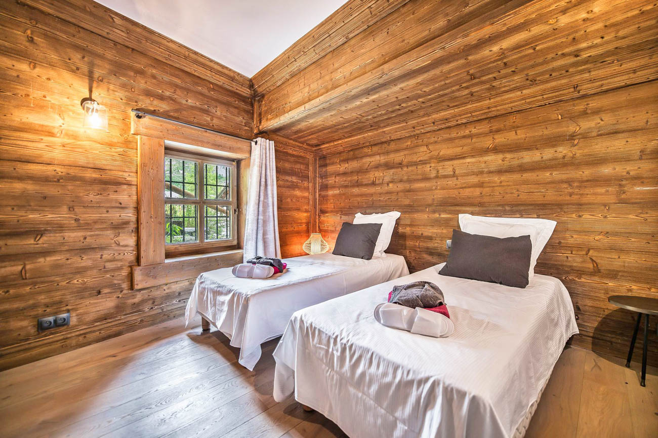 Luxury Catered Chalets Yeti